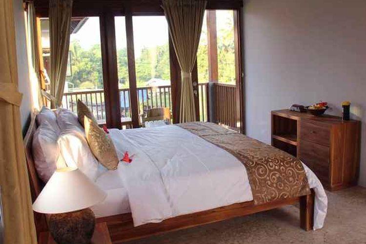 Kamar tipe Deluxe Suite di penginapan Villa Kemuning Ubud, Tegallalang, Bali.