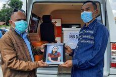 Isak Tangis Keluarga Sambut Jenazah Korban Kecelakaan Sriwijaya Air SJ 182 Asal NTT