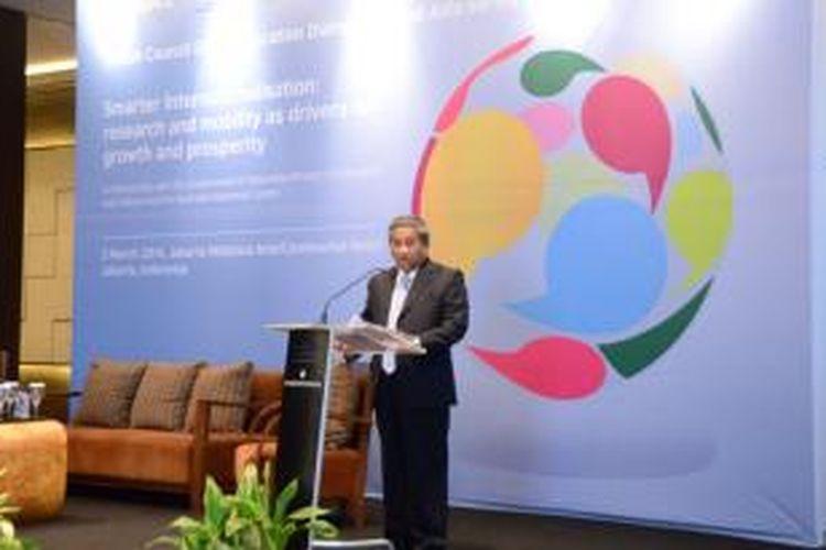 Menteri Pendidikan dan Kebudayaan Mohammad Nuh saat memberikan sambutan pada pembukaan Global Education Dialogues (GED) di Jakarta, Senin (3/3/2014). Mendikbud mengatakan, banyak tantangan akan dihadapi generasi muda ke depan bukan hanya di bidang ekonomi, melainkan juga di budaya dan politik.