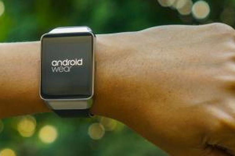 Jam tangan pintar berbasis Android Wear