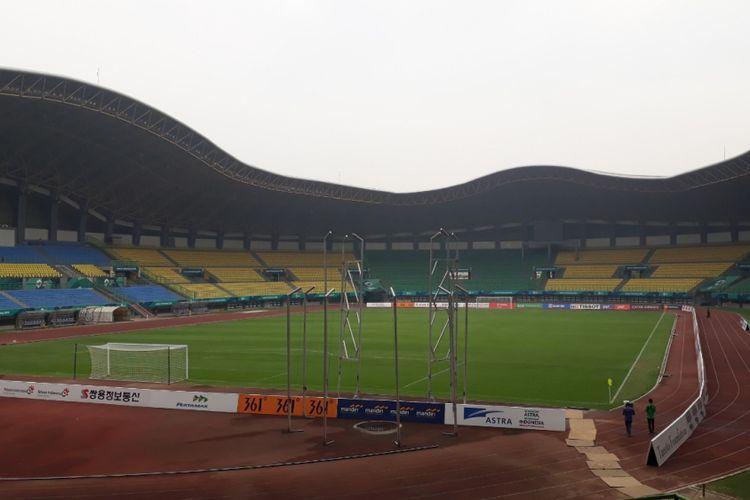 Tampak Stadion Patriot Candrabhaga Bekasi dari Tribun penonton, Selasa (7/8/2018).