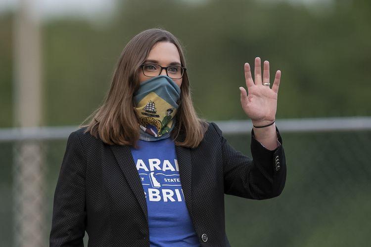 Dalam file foto15 September 2020 ini, aktivis transgender Sarah McBride, yang berharap untuk memenangkan kursi di Senat Delaware, berkampanye di Claymont Boys & Girls Club di Claymont, Delaware, AS.