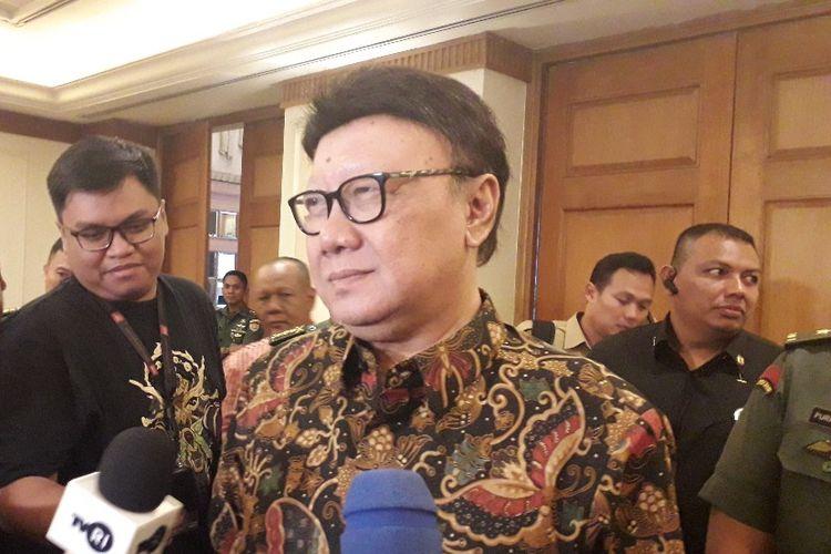 Menteri Dalam Negeri Tjahjo Kumolo usai membuka acara Rapat Kerja Nasional Pembinaan Wawasan Kebangsaan dan Ketahanan Nasional di Hotel Aryaduta, Jakarta, Selasa (16/07/2019).
