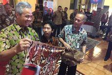 Ganjar Pranowo Gemar Mengoleksi Batik