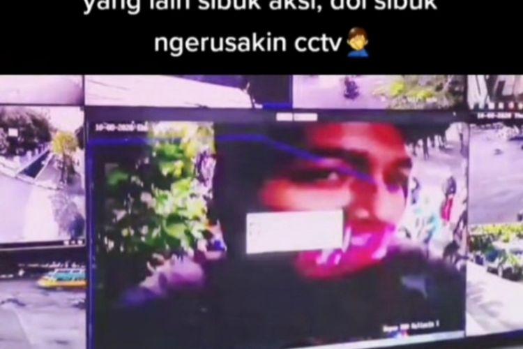 Wajah perusak CCTV di sekitar Gedung Grahadi Surabaya.