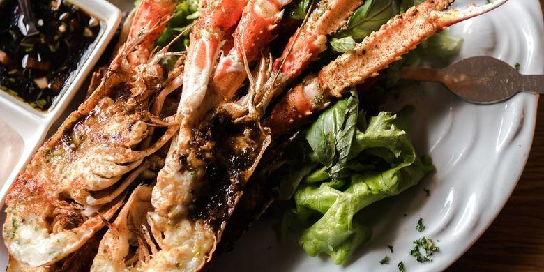 Illustration of serving lobster.