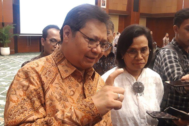 Menteri Koordinator Bidang Perekonomian Airlangga Hartarto dan Menteri Keuangan Sri Mulyani Indrawati di Jakarta, Senin (2/3/2020).