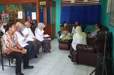 Kemendikbud Sidak SDN Pekayon Jaya 3 Bekasi yang Hampir 2 Tahun Tanpa Meja Kursi