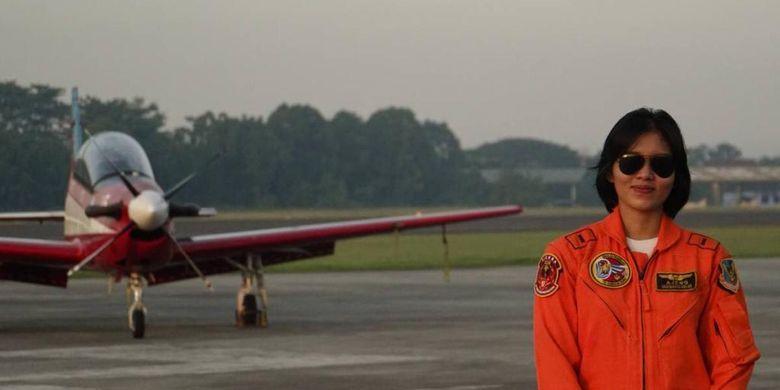 Perempuan pertama dilantik sebagai penerbang Pesawat Tempur TNI AU di Indonesia, Letda Pnb Ajeng Tresna Dwi Wijayanti.(DOKUMENTASI TNI AU)