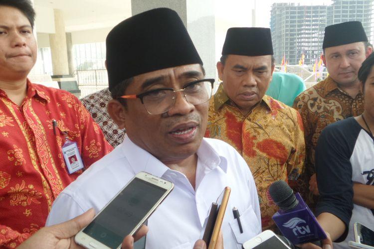 Plt Gubernur DKI Jakarta Sumarsono saat peresmian Masjid Raya Hasyim Asyari di Daan Mogot, Jakarta Barat, Sabtu (15/4/2017)