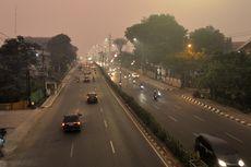 Diselimuti Kabut Asap, Warna Langit di Palembang Berubah