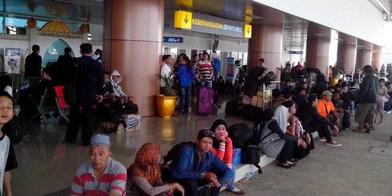 Suasana Bandara Supadio, Pontianak, Kubu Raya, Kalimantan Barat (13/7/2015).