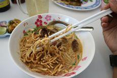 Nikmatnya Daging Sapi Berempah pada Semangkuk Khao Soi Chiang Mai