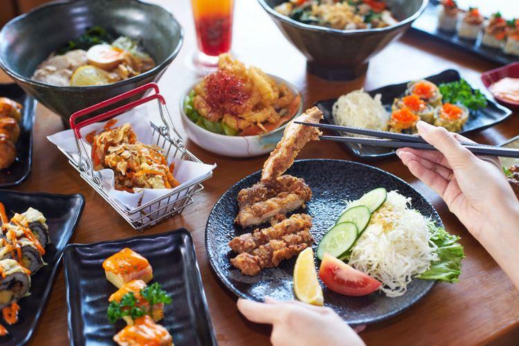 Ilustrasi menu di Sushi Tei.