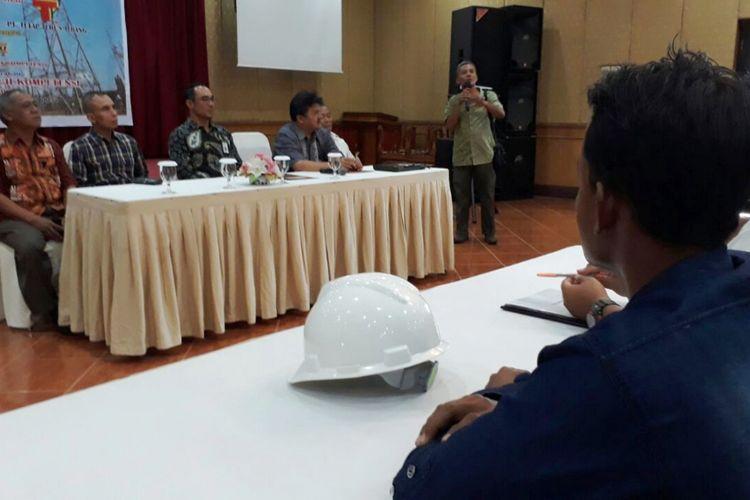 Sertifikat kompetensi tenaga distribusi, transmisi dan IPTL yang berasal dari Riau, Aceh dan Medan, Rabu (25/10/2017)