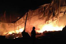 Diduga Korsleting Listring, Gudang Plastik di Tangerang Terbakar