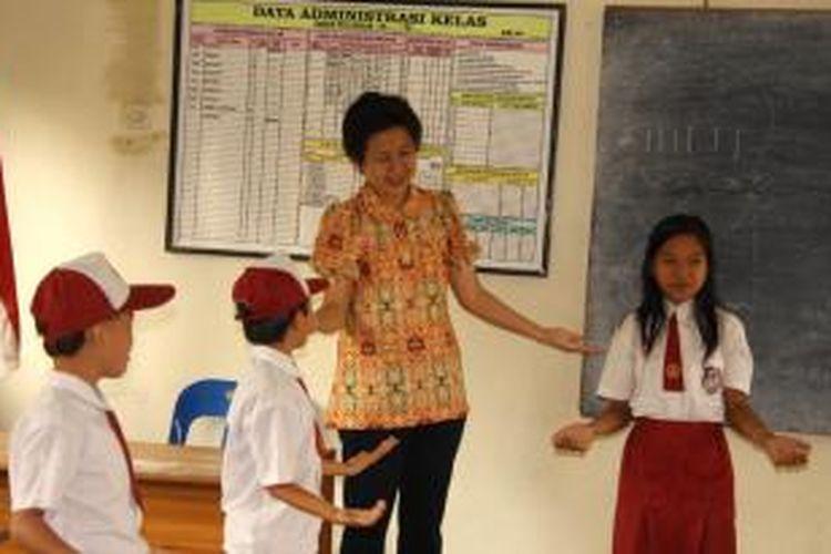 Mendikbud menjelaskan 75 persen sekolah di Indonesia tidak memenuhi standar layanan minimal pendidikan.