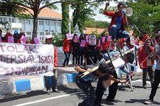 Mahasiswa Untag Demo Tolak Kampus Unair di Banyuwangi