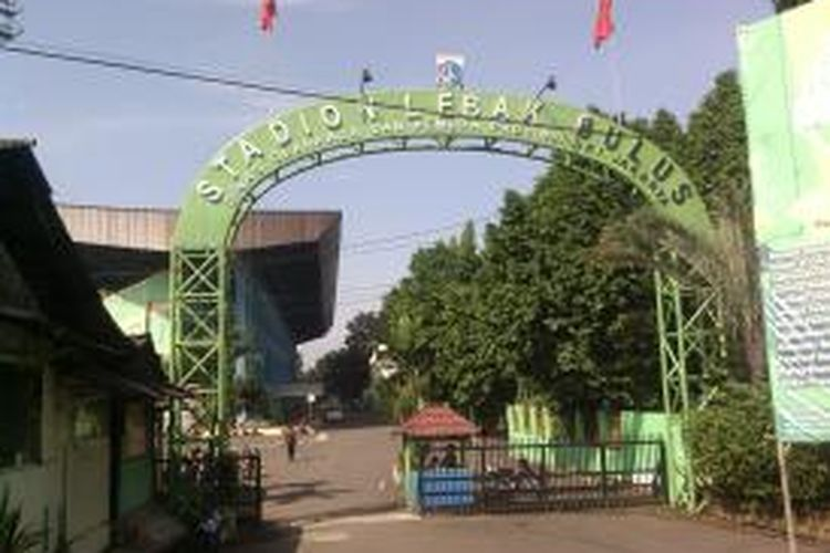 Stadion Lebak Lebak Bulus di Jakarta Selatan, akan dijadikan depo (tempat parkir) dalam proyek mass rapid transit. Pembangunan MRT diperkirakan akan mulai dilakukan pada Oktober 2013.