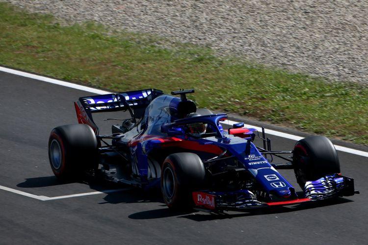 Pebalap Indonesia Sean Gelael kembali menjajal mobil STR13 milik Tim Toro Rosso.