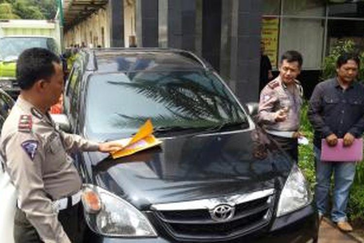 Mobil Toyota Avanza curian di Majalengka ditemukan saat Operasi Zebra Jaya 2015 di Jakarta. Mobil tersebut hilang sejak 11 Juni 2015.