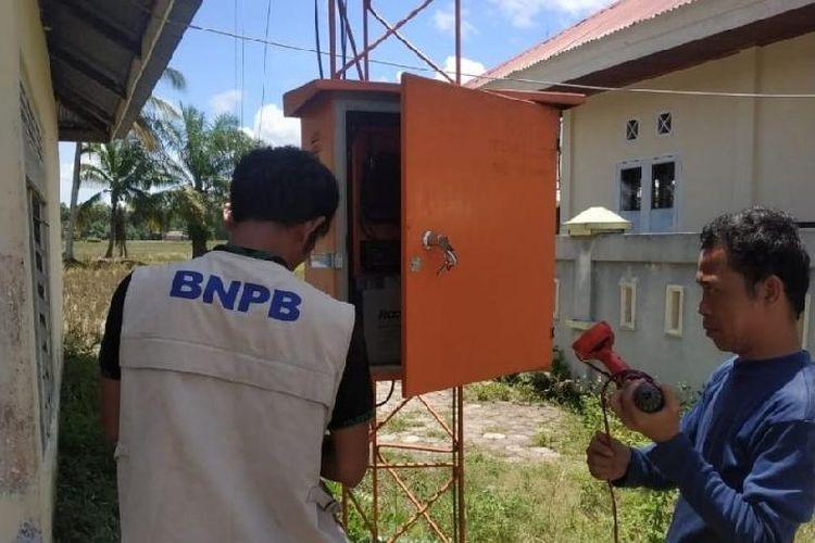 Pemasangan sistem peringatan dini tsunami di Agam.