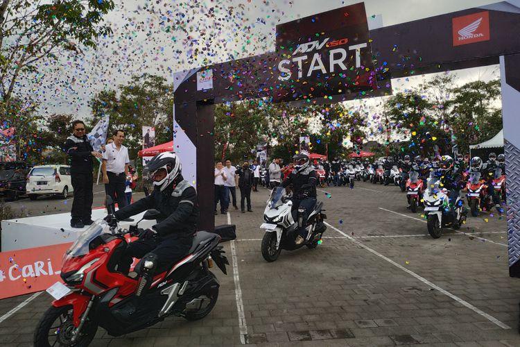 World Premiere Riding Experience Honda ADV150 saat meninggalkan garis start