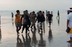 Acungkan Pisau, Pria Ini Resahkan Pengunjung Pantai Kuta