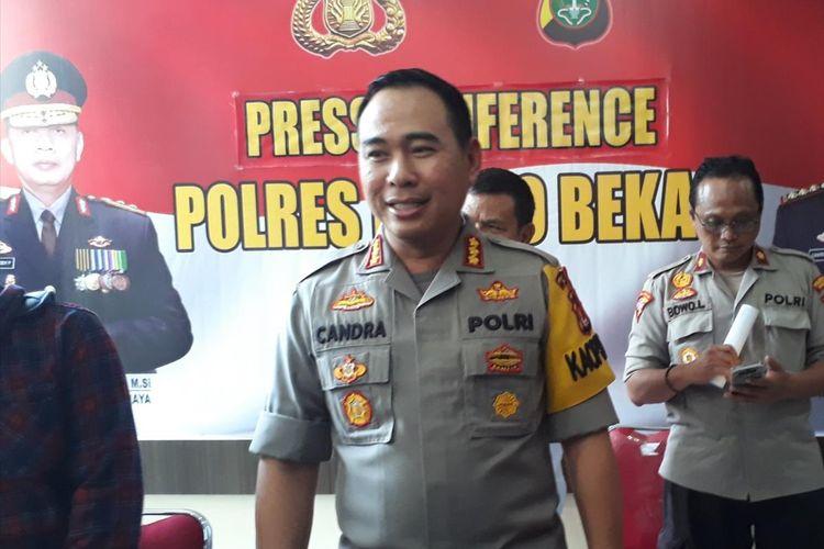 Kapolres Metro Bekasi, Kombes Candra Sukma Kumara kepada awak media di Mapolres Metro Bekasi, Senin (29/4/2019).