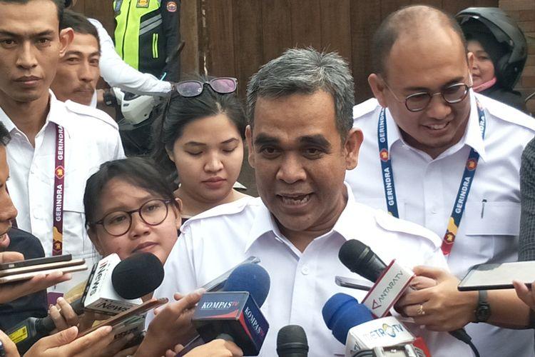 Sekjen Partai Gerindra Ahmad Muzani saat memberikan keterangan di kediaman Prabowo, Hambalang, Kabupaten Bogor, Jawa Barat, Rabu (16/10/2019).