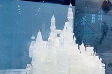 Kastil Kaca Disney Seharga Rp 934 Juta Pecah Ditabrak 2 Bocah yang Berlarian