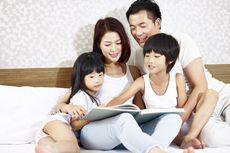 Agar Anak Gemar Membaca, Lakukan Cara Asyik Membacakan Dongeng Ini