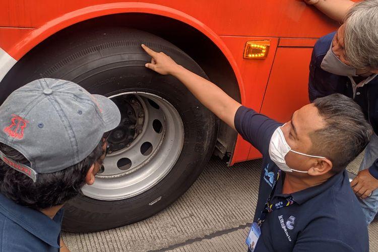 Dirut Transjakarta menegaskan armada Bus Transjakarta wajib lolos sejumlah cek kelaikan jalan, Rabu (9/6/2021)