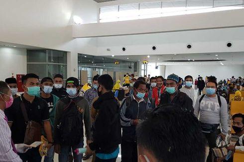 154 Pekerja Migran dari Malaysia Jalani Rapid Test, Khofifah: Semua Terindikasi Negatif