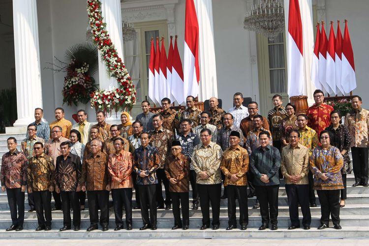 Presiden RI, Joko Widodo memperkenalkan menteri-menteri Kabinet Indonesia Maju dan pejabat setingkat menteri sebelum pelantikan di Istana Negara, Jakarta, Rabu (23/10/2019). Presiden RI Joko Widodo mengumumkan dan melantik Menteri-menteri Kabinet Indonesia Maju serta pejabat setingkat menteri.