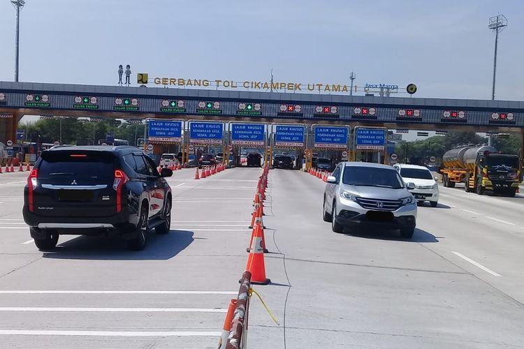 Kondisi arus lalu lintas di Gerbang Tol (GT) Cikampek 1.