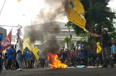 Indonesians Warned About New Covid-19 Clusters After Jobs Law Protests