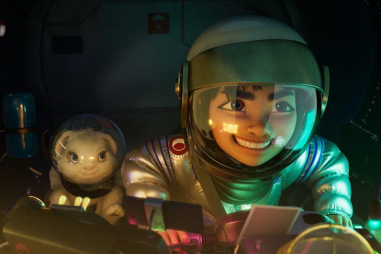 Karakter Bungee the Rabbit (kiri) dan Fei Fei dalam film animasi Over the Moon.