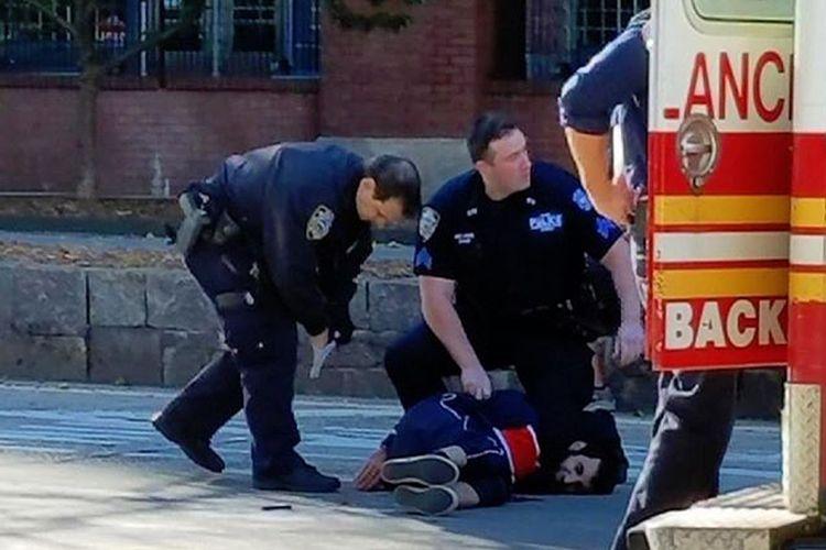 Sayfullo Saipov warga asal Uzbekistan yang menetap dari Tampa, Florida, dibekuk polisi setelah melakukan aksi penabrakan mengunakan pikap sewaan di Manhattan, New York, Selasa (31/10/2017).