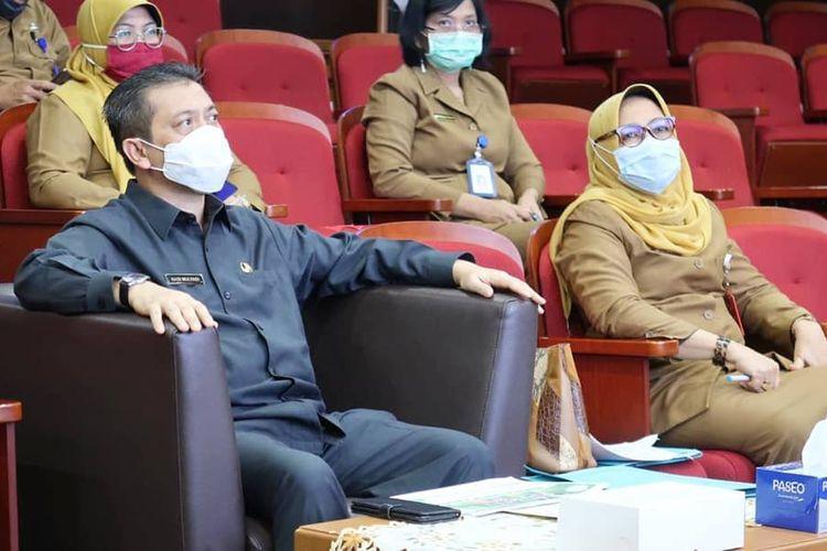 Wakil Gubernur Kaltim, Hadi Mulyadi (kiri) saat mengikuti uji coba teknis tahapan presentasi dan wawancara Top 99 Inonvasi Pelayanan Publik 2020 di Lantai II Kantor Gubernur Kaltim, Selasa (14/7/2020).