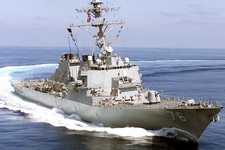 Kapal perusak milik Angkatan Laut AS yang dilengkapi misil kendali, USS Higgins. Kapal tersebut menjadi satu dari dua kapal militer AS yang dilaporkan terlihat berlayar di wilayah Laut China Selatan, Minggu (27/5/2018).