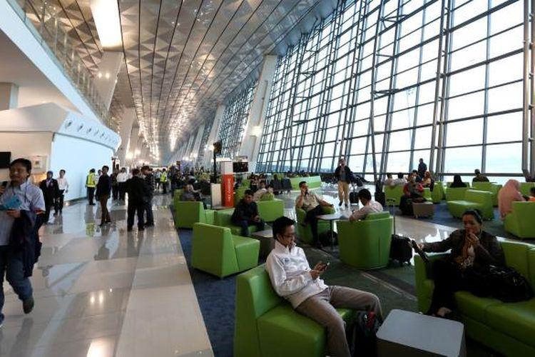 Suasana di Terminal 3 Ultimate Bandara Soekarno-Hatta, Tangerang, Banten.