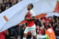 Gol Walcott Bawa Arsenal Juara Emirates Cup 2015
