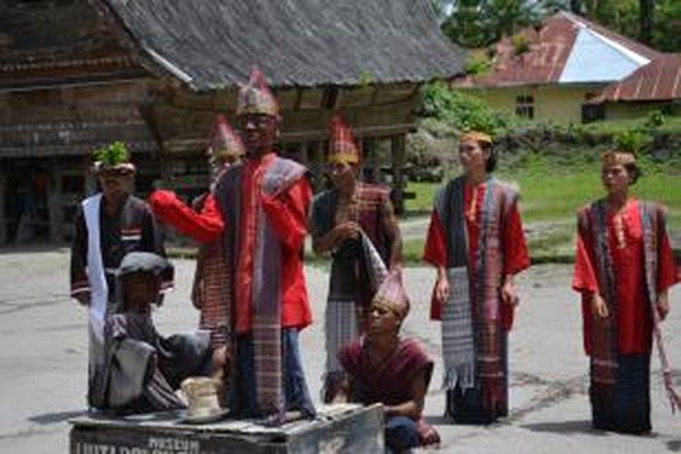Tarian Sigale-Gale di Museum Hutabolon Simanindo, Kabupaten Samosir, Sumatera Utara