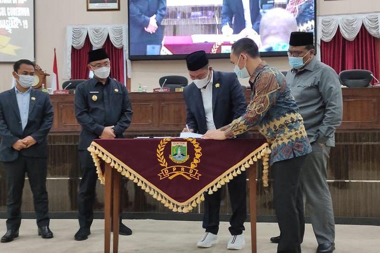 Perda penanggulangan Covid-19 di Banten Disahkan