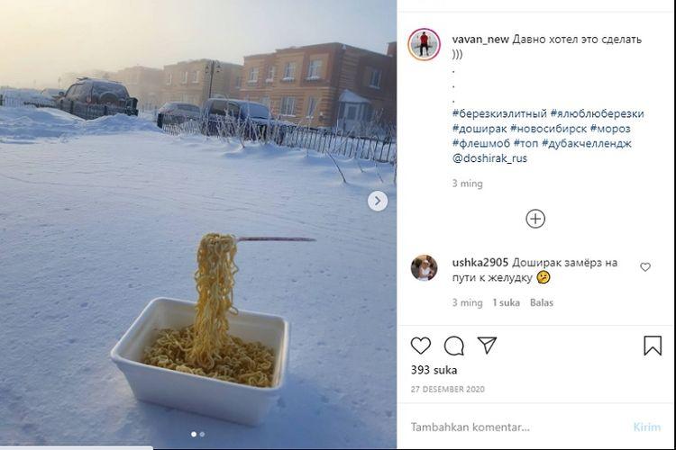 Tantangan mi instan beku di Rusia menjadi sangat populer dan viral di media sosial Instagram.