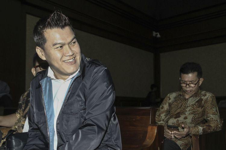 Terdakwa kasus korupsi KTP Elektronik Andi Narogong bersiap mengikuti sidang lanjutan di Pengadilan Tipikor, Jakarta, Kamis (30/11/2017). Sidang itu beragenda mendengarkan keterangan saksi-saksi.