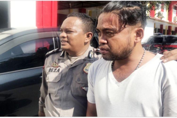 Satuan Lalu Lintas (Satlantas) Polresta Barelang akhirnya resmi menetapkan Sopir Bimbar atau angkot, Rahmat menjadi tersangka dalam kasus kecelakaan maut di jalan R Suprapto tepatnya di jalan turunan Bukit Daeng, Batam, Senin (17/2/2020) lalu.