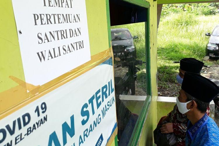 Tempat khusus kunjungan orangtua santri di Ponpes El Bayan, Kecamatan Majenang, Kabupaten Cilacap, Jawa Tengah.