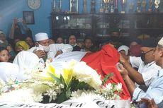 Isak Tangis Menyambut Kedatangan Jenazah Pelda Rama Wahyudi